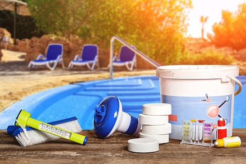 5 Tips to Keep Your Pool From Turning Green This Summer