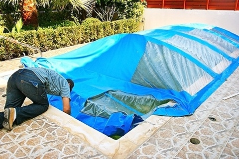 Do I need a pool cover in Winter?