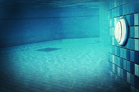 The benefits of LED pool lighting